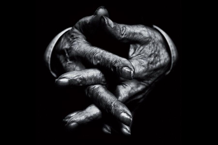 Hands V