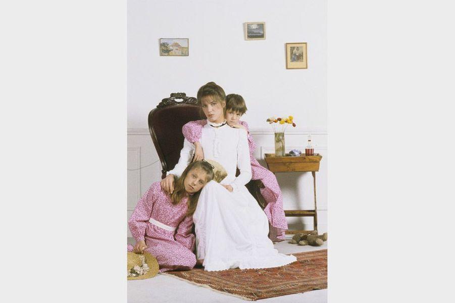 Jane Birkin avec ses deux filles