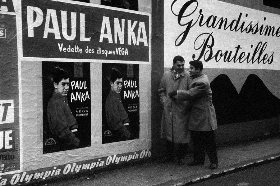 La vedette Paul Anka à Paris