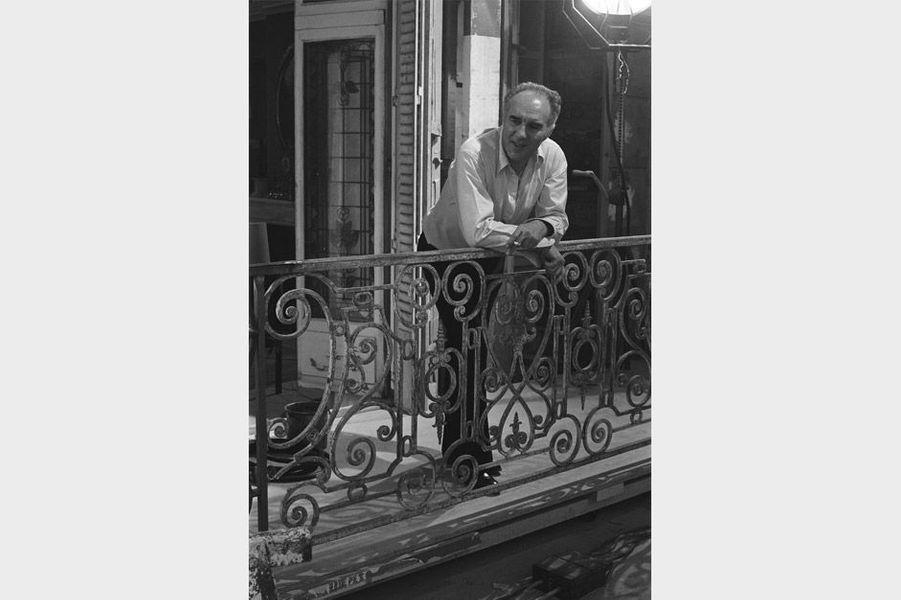 "Michel Piccoli lors du tournage du film ""Mado"""