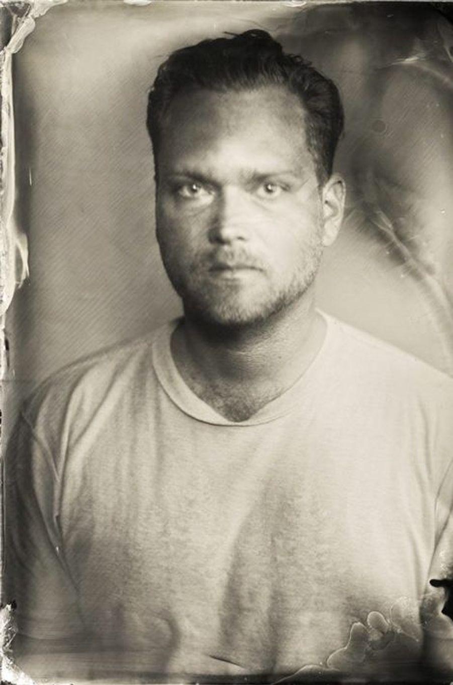 «Un rare autoportrait. La technique photographique au collodion fait ressortir mes racines scandinaves. 2014»