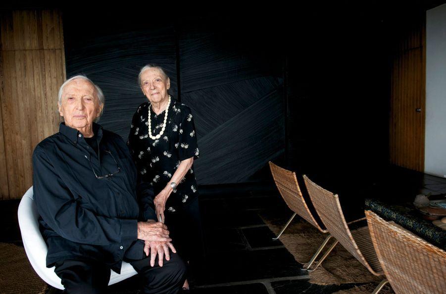 Pierre et Colette dans leur salon sétois, le 11 septembre. Ils se sont mariés en 1942 à l'église Saint-Louis de Sète.