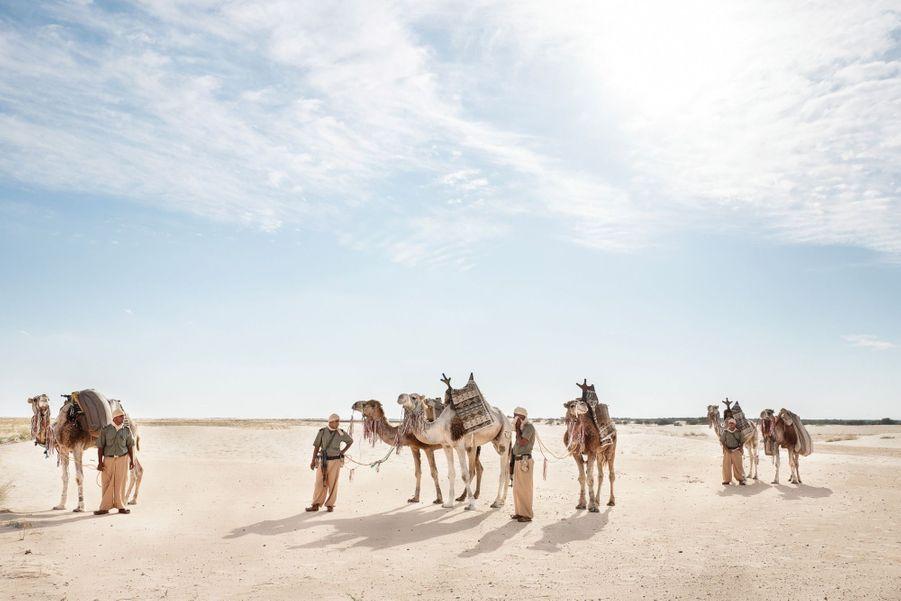 Le 2e regroupement territorial saharien patrouille le désert du Sahara au sud de la Tunisie, dans le triangle où se rejoignent, la Tunisie, la Libye et l'Algérie. Chaque patrouille comprend 8 militaires et 10 dromadaires.