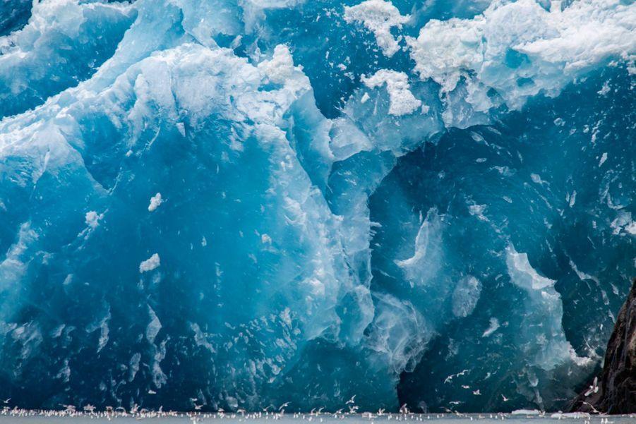 La base d'un iceberg en train de fonde. Narsarsuaq, Groenland (Août 2011)