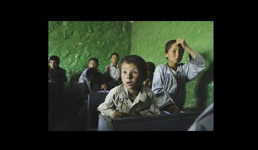 Écoliers hazaras, chiites pour la plupart.