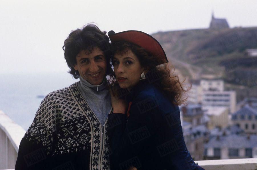 Anémone pose pour Match avec Richard Anconina, le 14 mars 1988, deux jours après avoir emporté le César de la meilleure actrice...