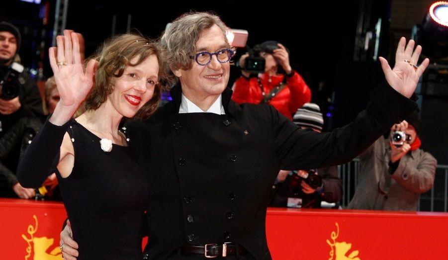 Le réalisateur pose sur le tapis rouge avec sa femme Donata, avant la projection de son film «Pina».