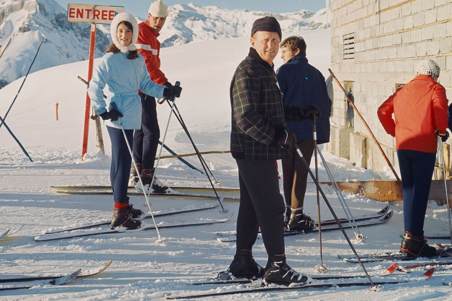 Sheila et Bourvil sur les pistes enneigées en 1967.