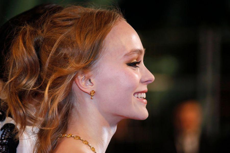 Cannes 2016: Lily-Rose Depp ensorcèle la Croisette