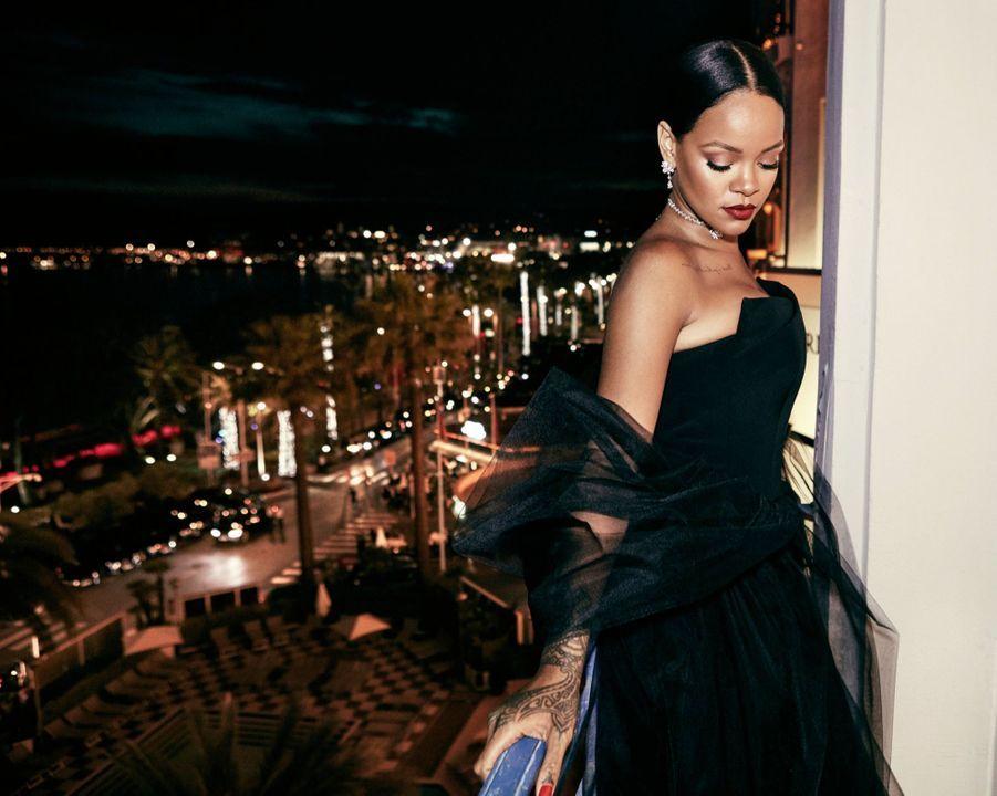 Rihanna, invitée par Chopard, est venue à Cannes, pour présenter sa première ligne de bijoux haute joaillerie Rihanna Loves Chopard, le 18 mai.