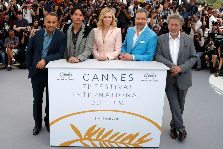 Cate Blanchett et les hommes du jury du 71e Festival de Cannes