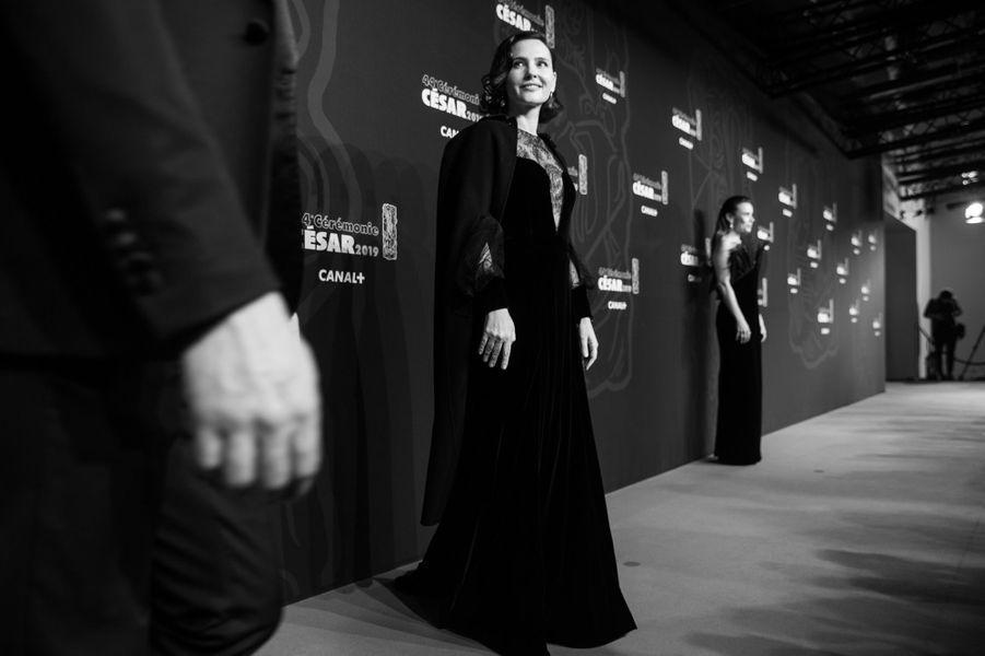 Virginie Ledoyen sur le tapis rouge des César 2019.