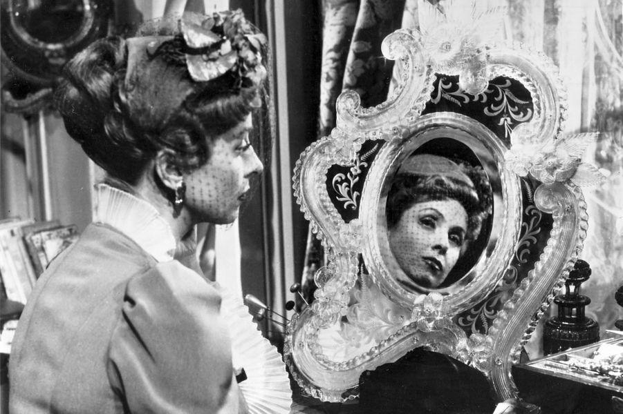 "Dans ""Madame De..."" en 1953."
