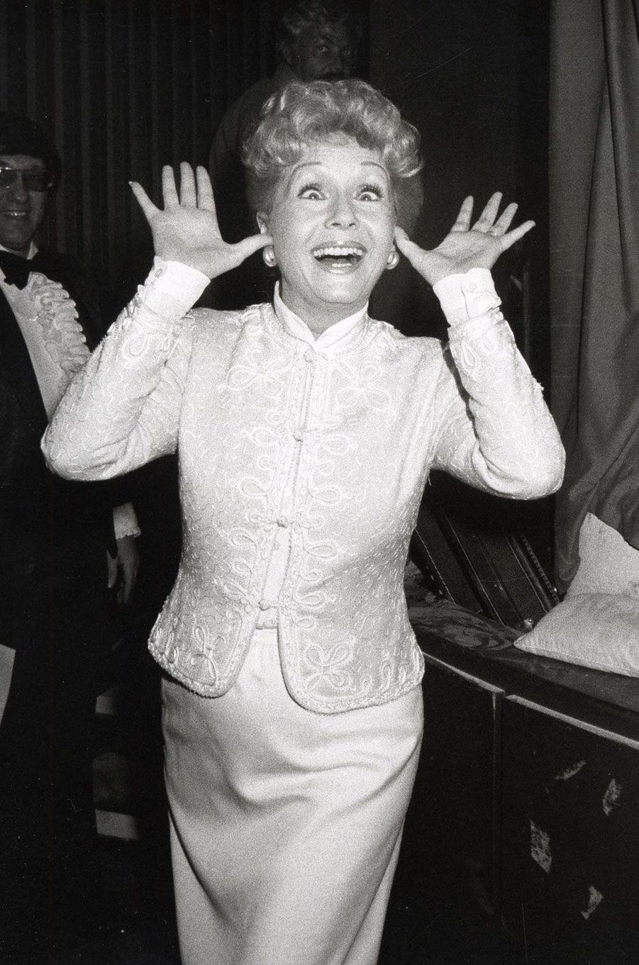 1982 - Debbie Reynolds facétieuse