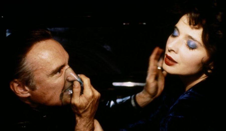 Le rôle peut-être le plus célèbre de Dennis Hopper, celui du psychopathe Frank Booth sous la direction de David Lynch.