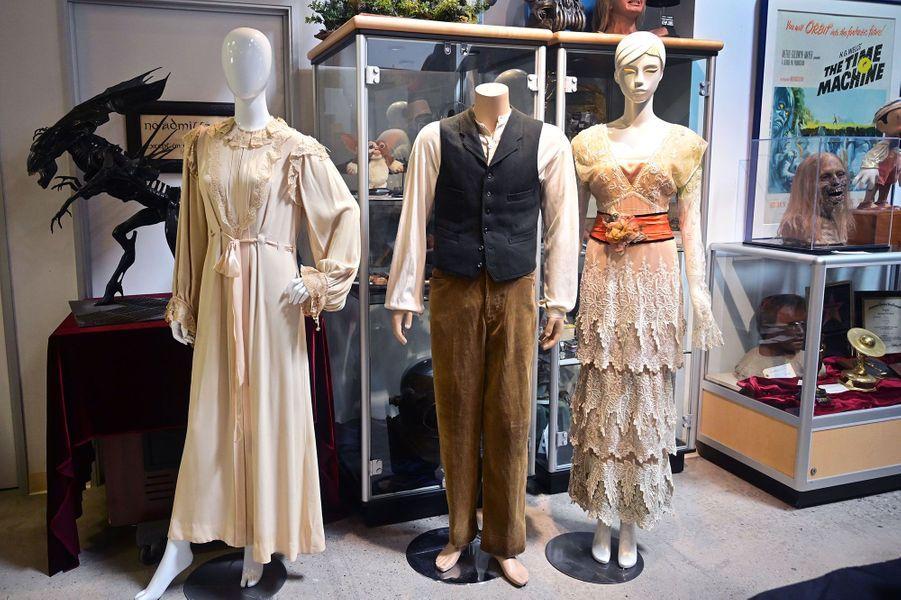 """Les tenues de Jack et Rose dans """"Titanic"""" (à droite) et lachemise de nuit portée par Marilyn Monroe"""