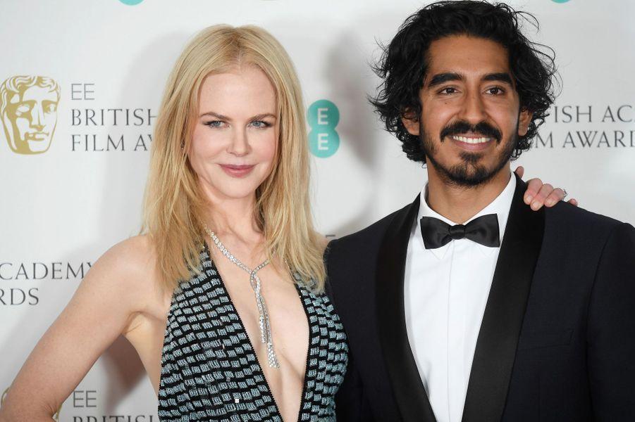 Nicole Kidman et Dev Patel lors de la cérémonie des Baftas.