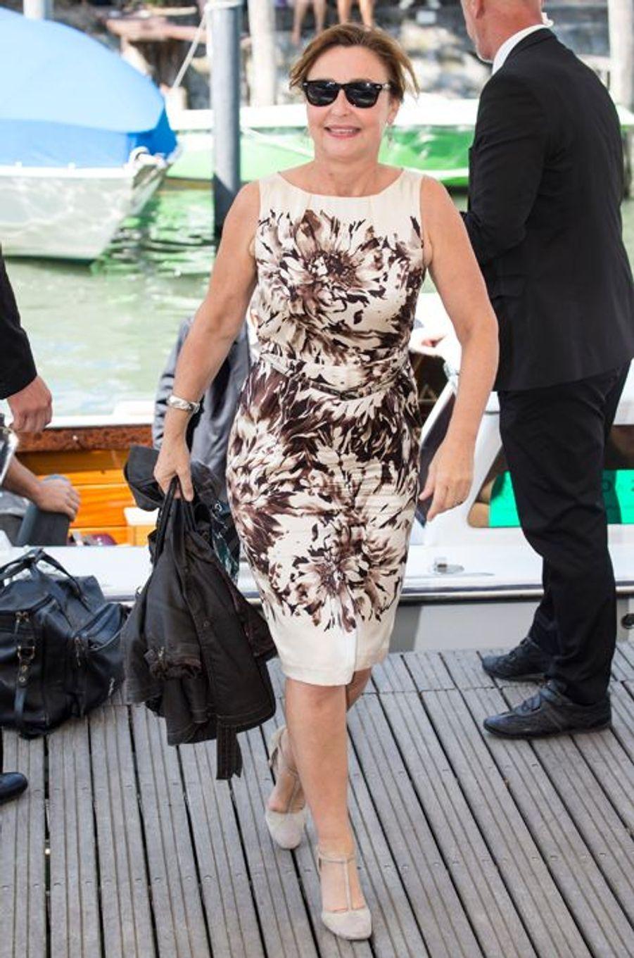 Vendredi 4 septembre : Catherine Frot arrive à la 72ème édition du festival international du film de Venise.