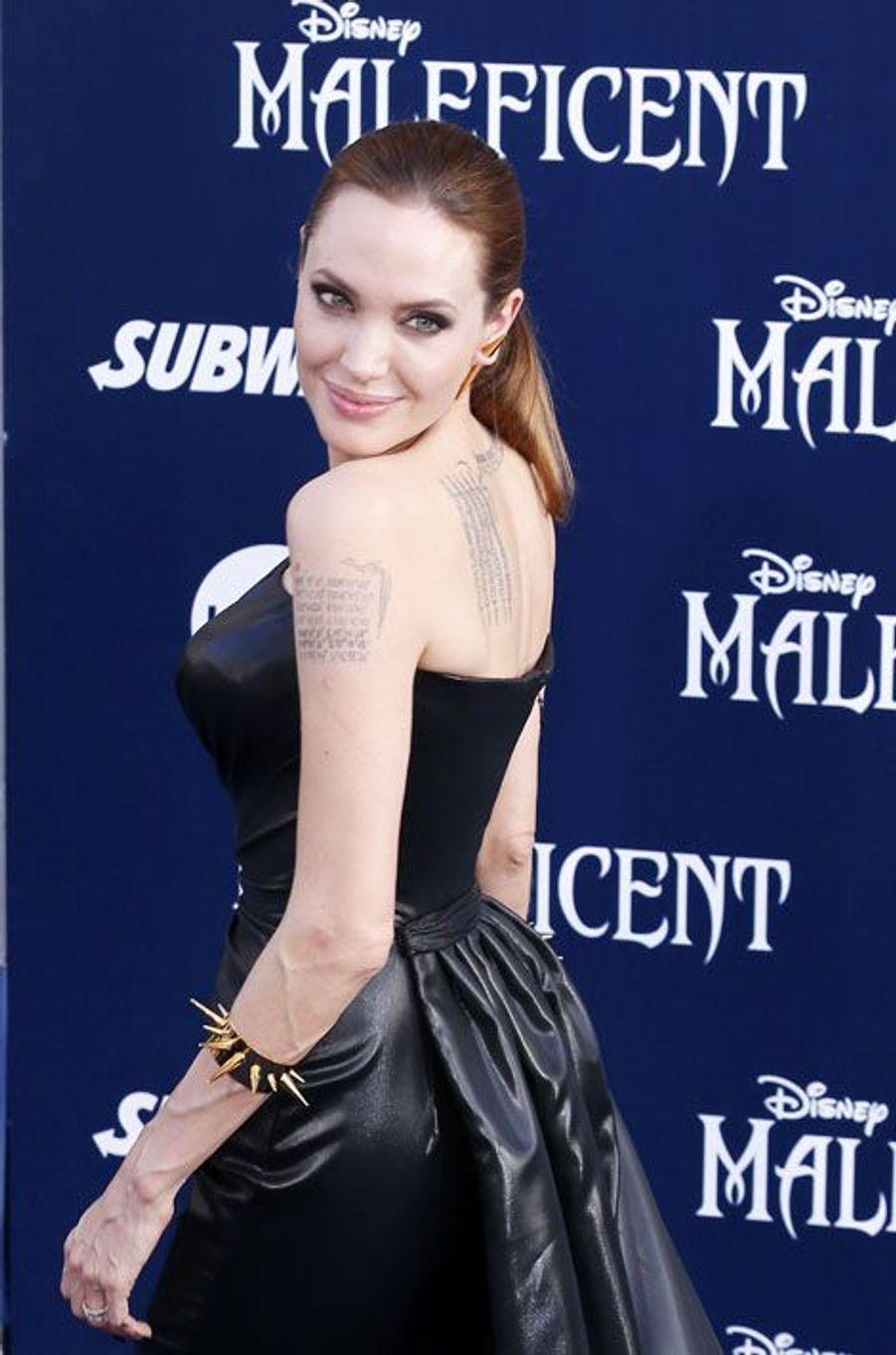 "Angelina Jolie, rayonnante fée ""Maléfique"""