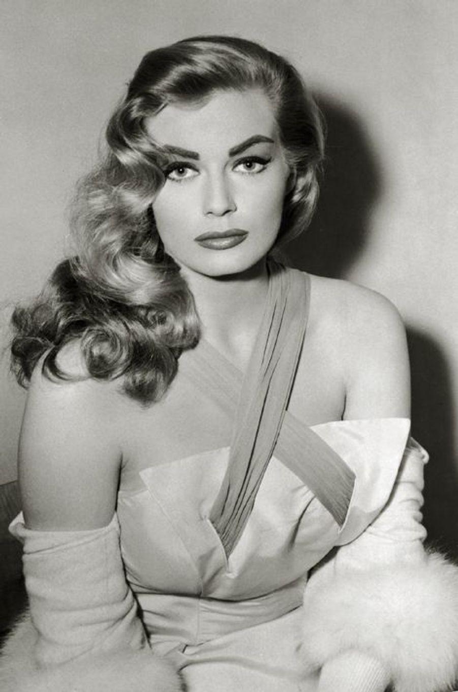 Anita Ekberg, en 1956