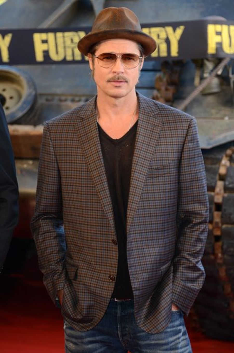 """Brad Pitt à la première de """"Fury"""", à Paris"""