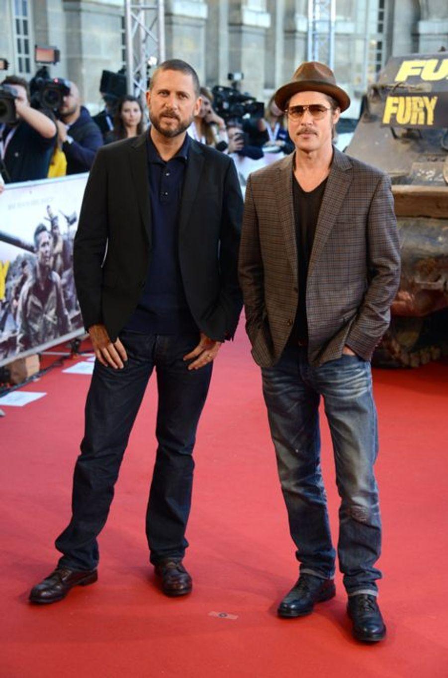 """David Ayer et Brad Pitt à la première de """"Fury"""", à Paris"""