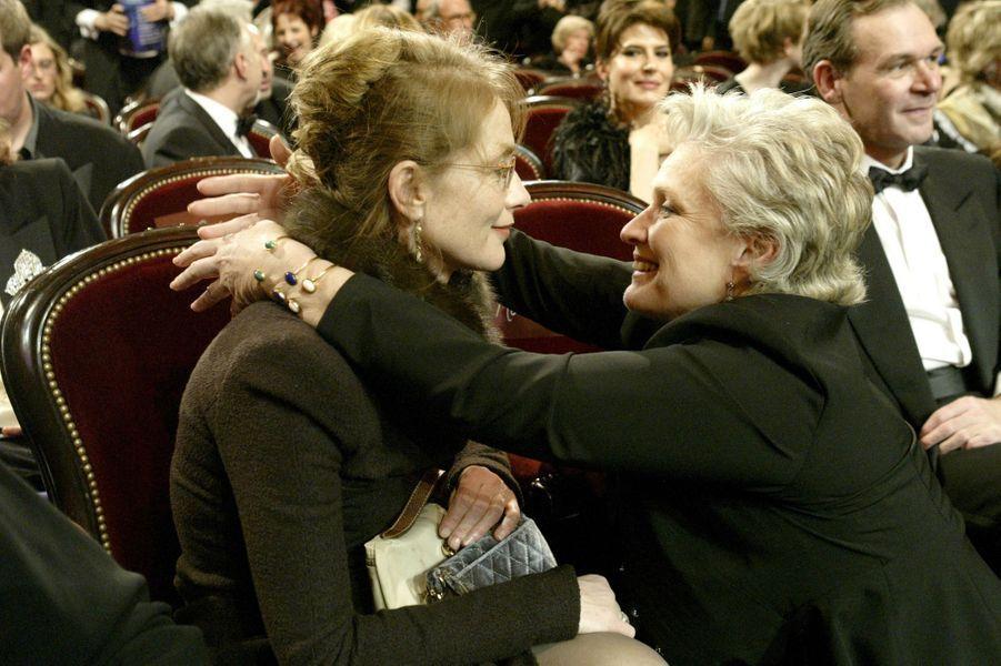 Isabelle Huppert et Marie-Christine Barrault en 2003