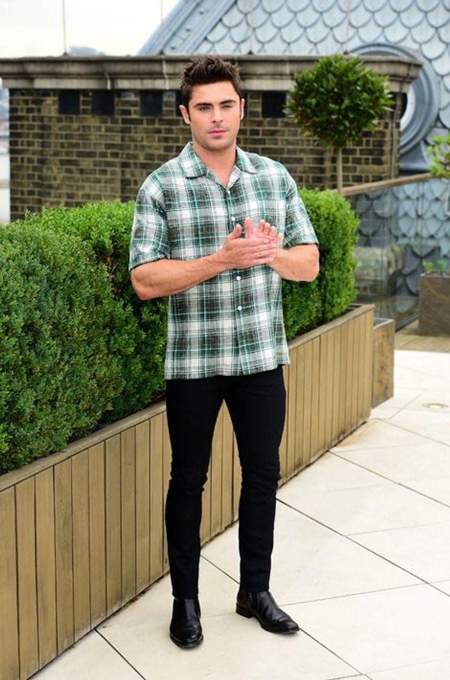 Zac Efron à Londres le 11 août 2015