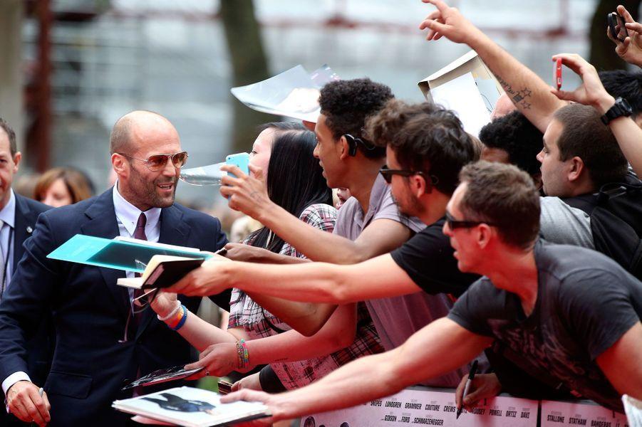 Jason Statham et des fans