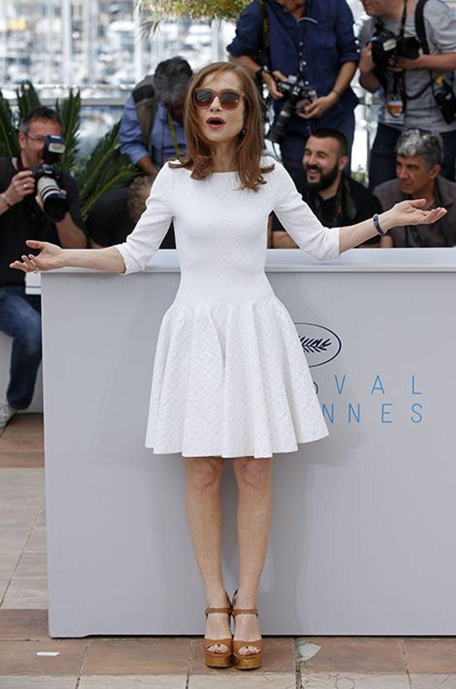 Isabelle Huppert à Cannes le 22 mai 2015