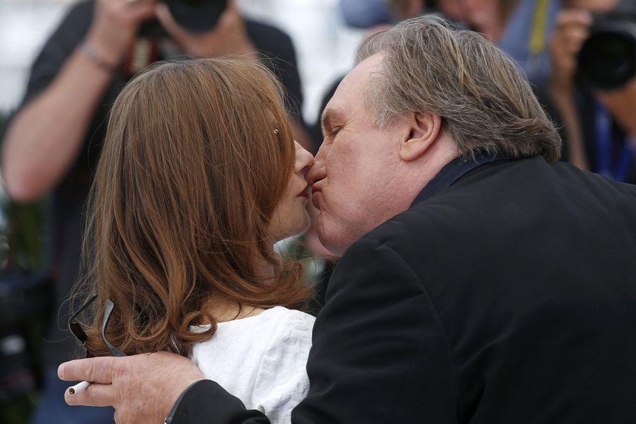 Isabelle Huppert et Gérard Depardieu à Cannes le 22 mai 2015