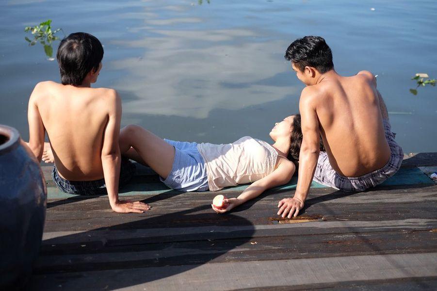 """""""Cha và con và"""" de Phan Dang Di"""