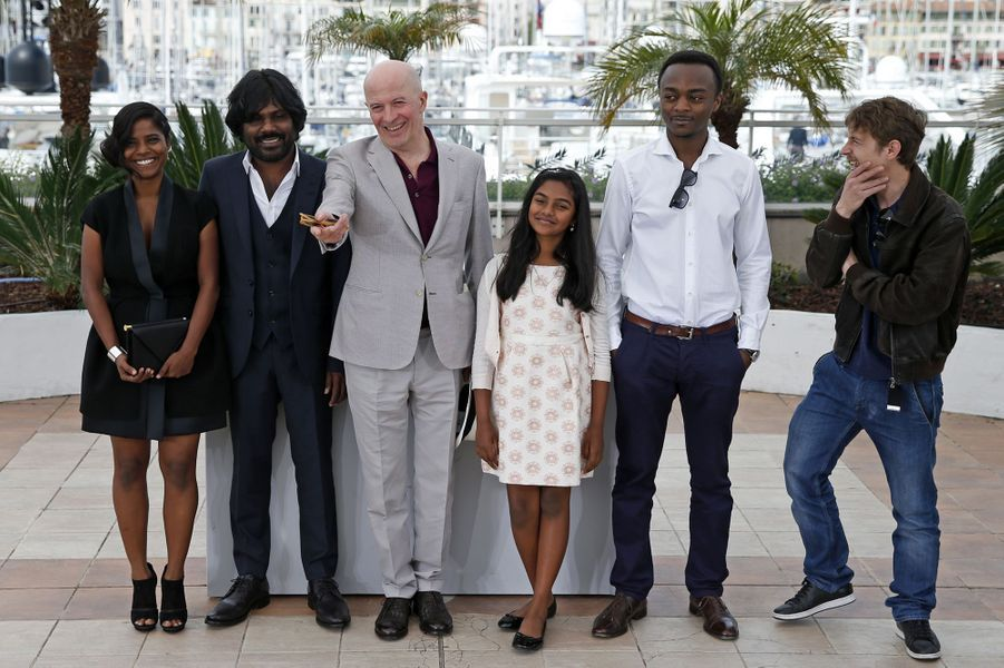 Kalieaswari Srinivasan, Jesuthasan Antonythasan, Jacques Audiard, Claudine Vinasithamby, Marc Zinga et Vincent Rottiers à Cannes le 21 mai 2015