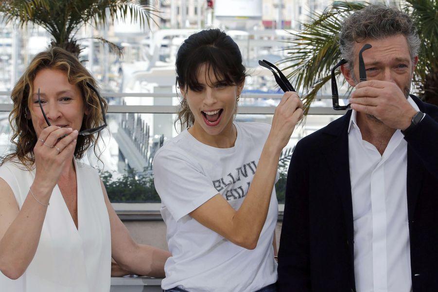 Emmanuelle Bercot, Maïwenn et Vincent Cassel à Cannes le 17 mai 2015