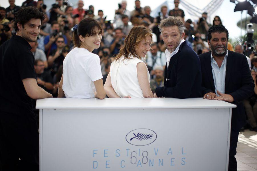 Louis Garrel, Maïwenn, Emmanuelle Bercot, Vincent Cassel et Alain Attal à Cannes le 17 mai 2015