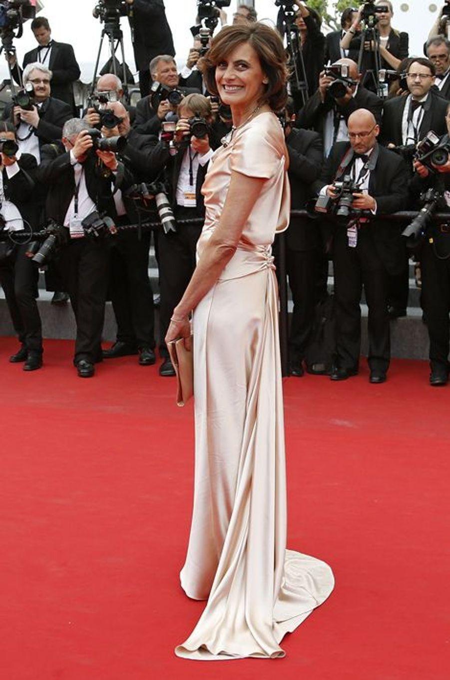 """Au Festival de Cannes, le tapis rouge du film """"L'homme irrationnel"""" de Woody Allen et Emma Stone"""
