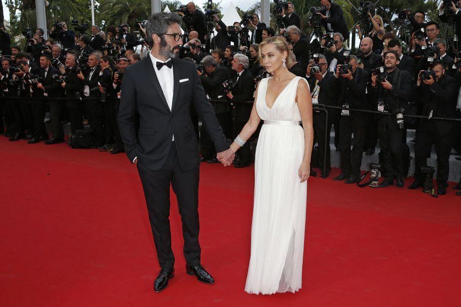 """Emmanuelle Béart au Festival de Cannes, pour le tapis rouge du film """"L'homme irrationnel"""" de Woody Allen et Emma Stone"""