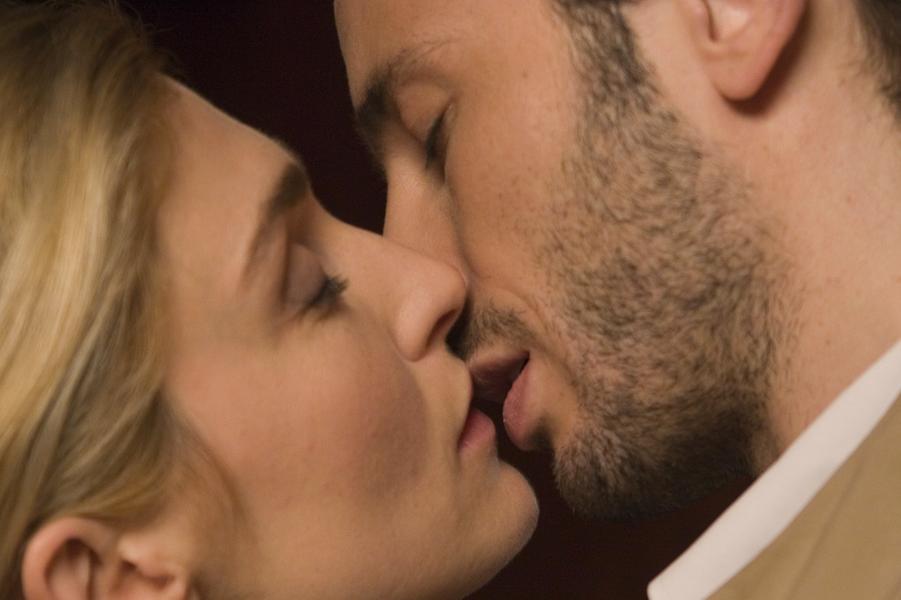 """""""Un baiser s'il vous plait"""" d'Emmanuel Mouret (2007)"""