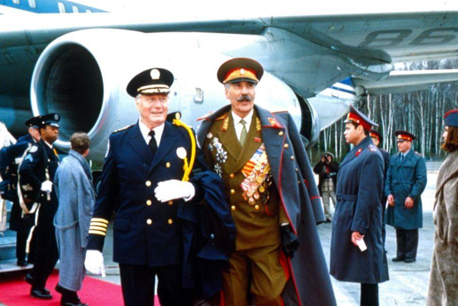 "Commandant Alexandrei Nikolaivich Rakov dans ""Police Academy : Mission à Moscou"" (1994)"