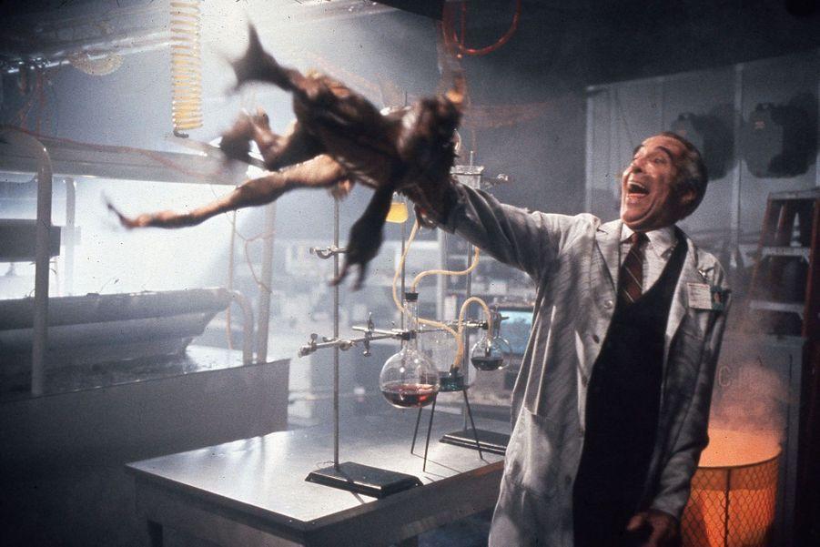 """Docteur Catheter dans """"Gremlins 2, la nouvelle génération"""" (1990)"""