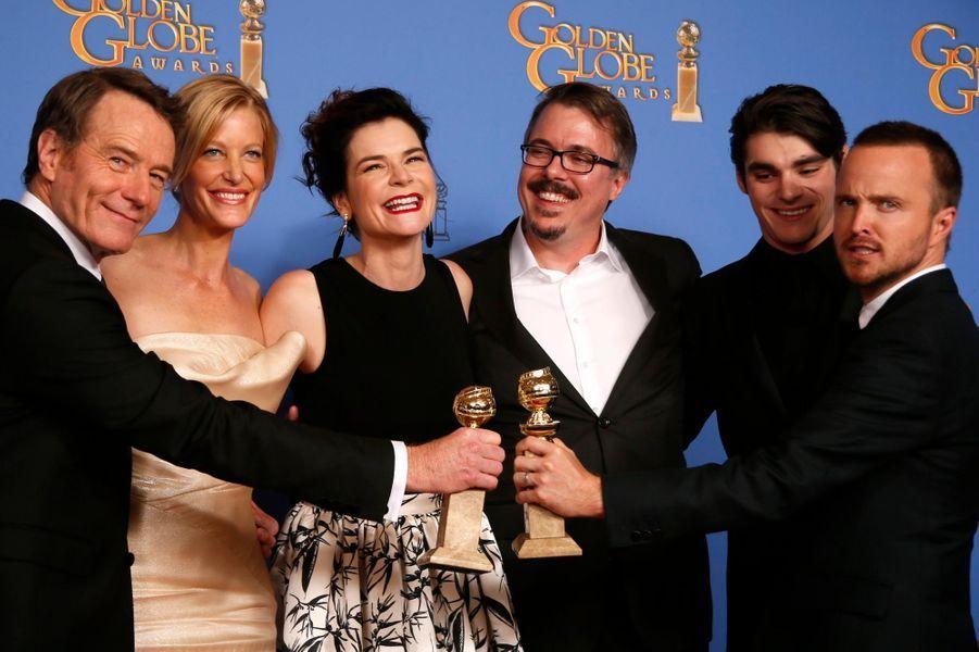 """Bryan Cranston et l'équipe de """"Breaking Bad"""", prix de l'acteur dans une série et meilleure série dramatique"""