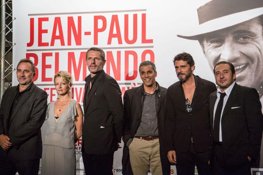 De gauche à droite, Antoine Duléry, Laure Marsac, Lambert Wilson, Samir Bouajila, Pascal Elbé et Patrick Timsit.