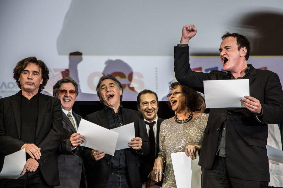 Bien accompagné, Quentin Tarantino a harangué la foule.