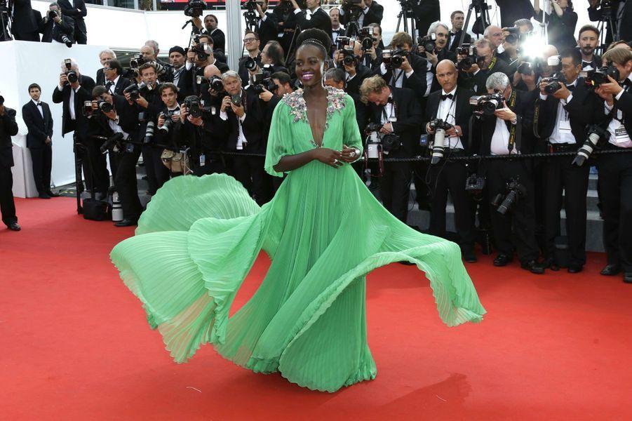 Lupita Nyong'o, en robe Gucci, à Cannes le 13 mai 2015
