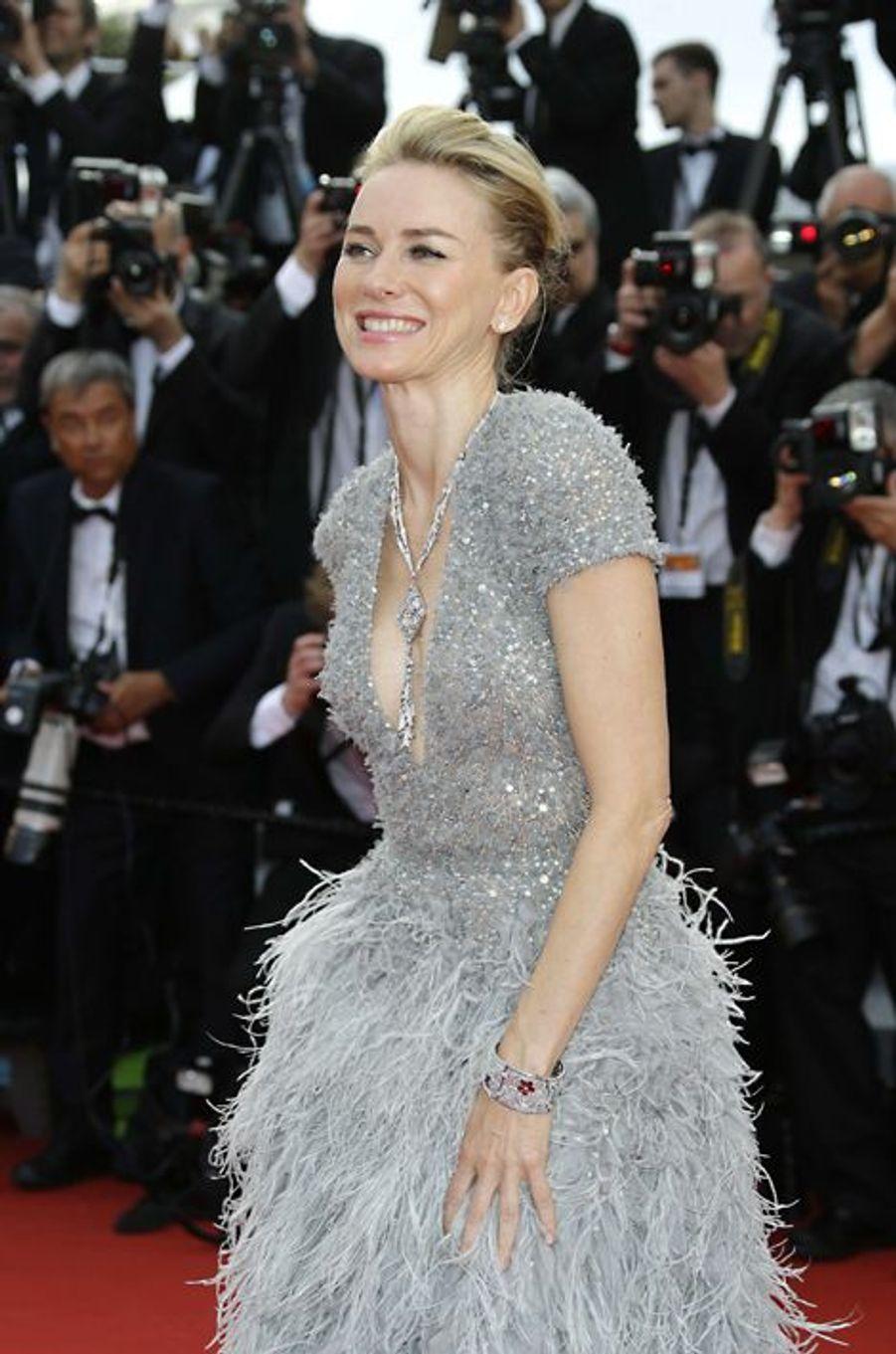 Naomi Watts, en robe Elie Saab, à Cannes le 13 mai 2015