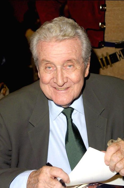 Patrick Macnee en 2003