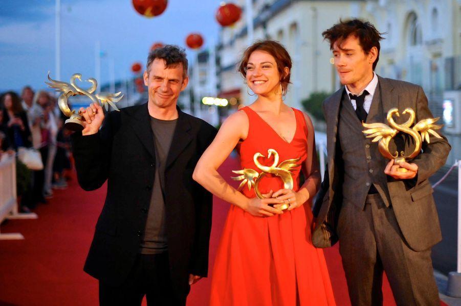 """Lucas Belvaux, couronné pour """"Pas son genre"""" avec ses deux acteurs, Emilie Dequenne et Loïc Corbery"""