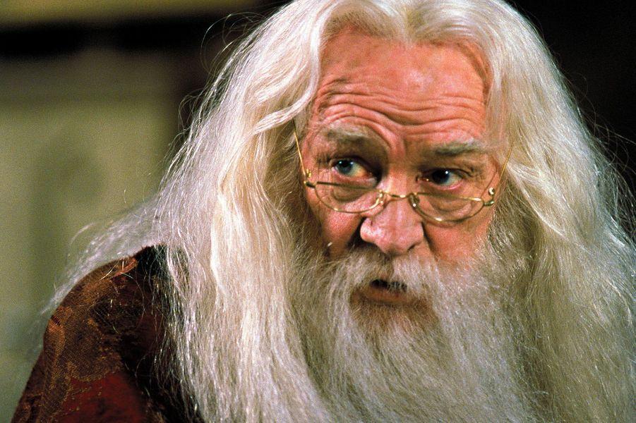 L'acteur irlandais est mort le25octobre2002àFitzroviaen Angleterre de lamaladie de Hodgkin entre les tournages du second et du troisième volet d'Harry Potter. Dans la suite des aventures du jeune sorcier, il est remplacé Michael Gambon.