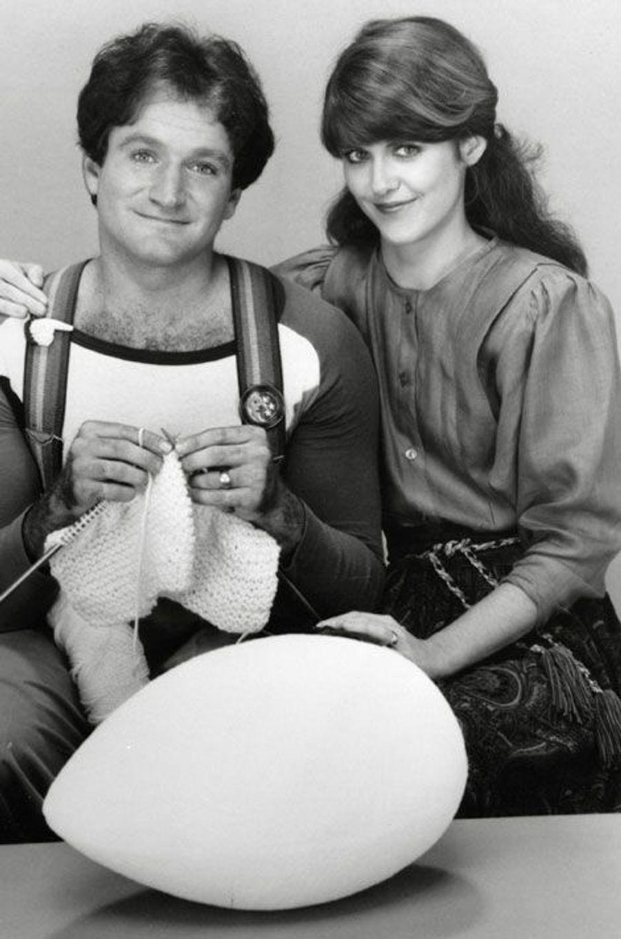 """Robin Williams et Pam Dawber dans """"Mork & Mindy"""" en 1978"""