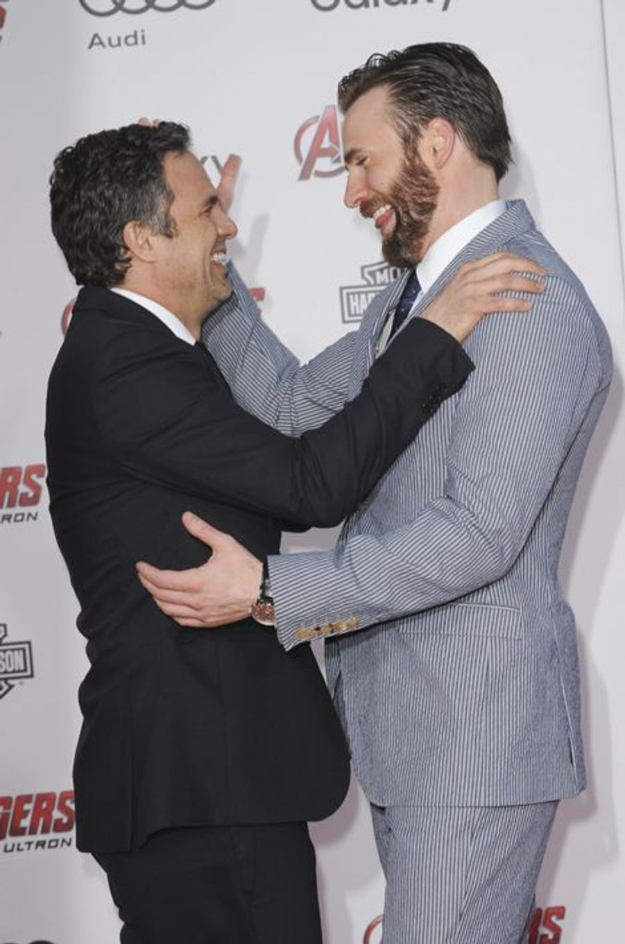 Mark Ruffalo et Chris Evans à Los Angeles le 13 avril 2015